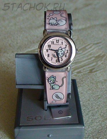 """Часы для девочки """"Котики и рыбка"""" (на ремешке)"""