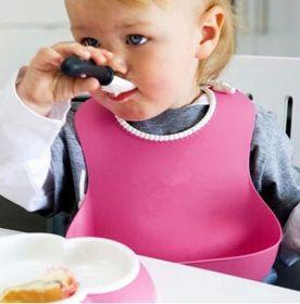 Детский нагрудник для кормления с карманом
