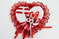 Подушка для колец в форме сердца красная