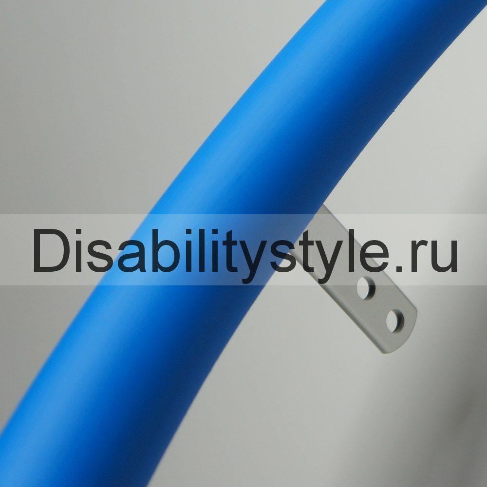 Силиконовая накладка на обруч механической коляски. Цвет голубой.