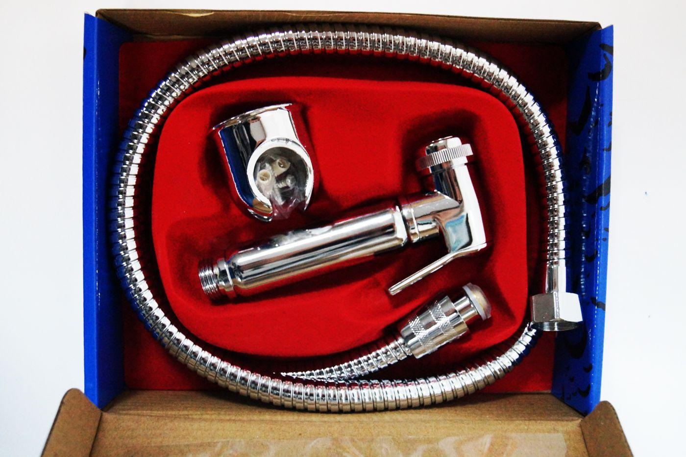 Гигиенический набор с шлангом и металлическим держателем 129