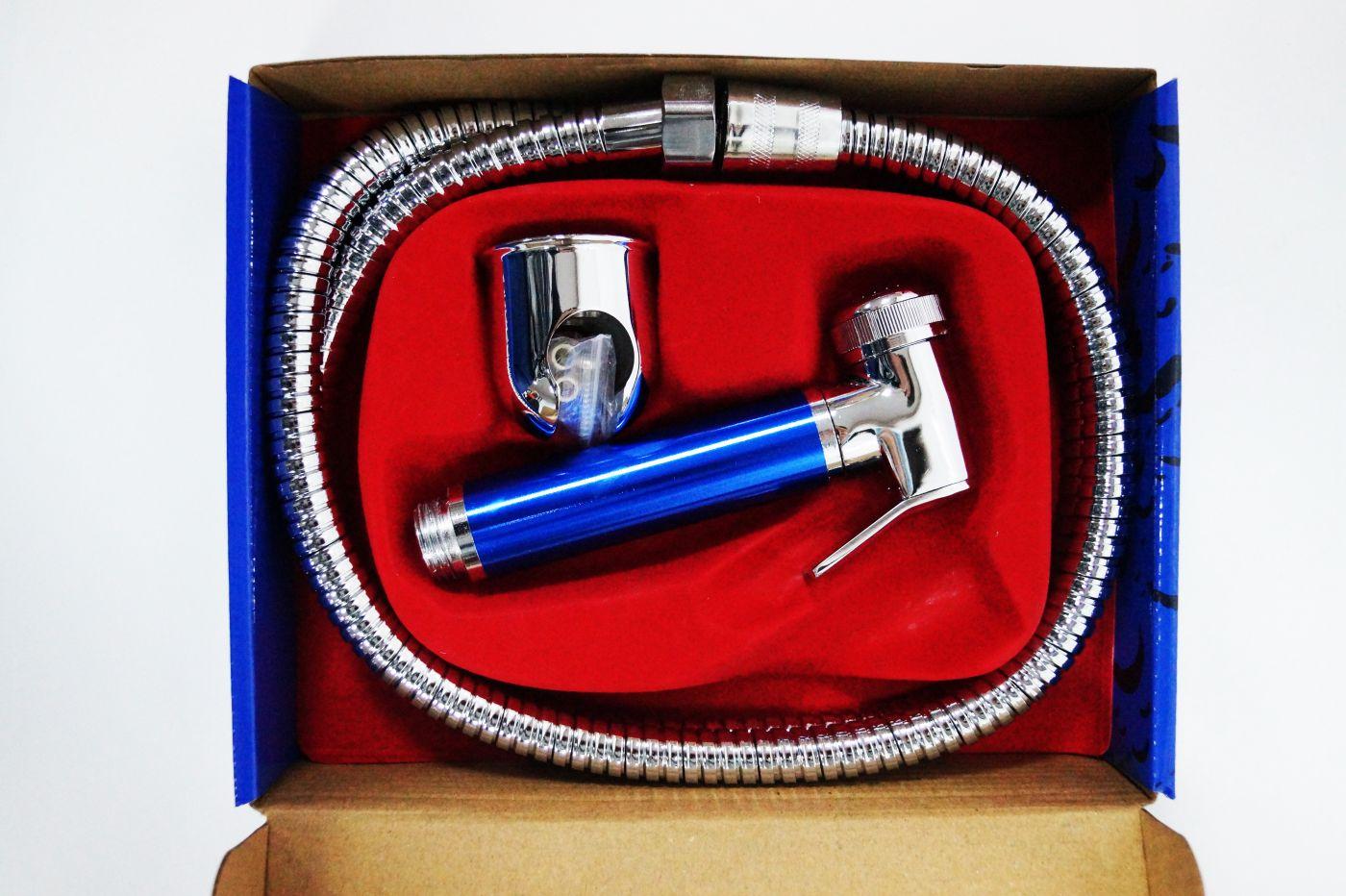 Гигиенический набор с хромированной лейкой с синей ручкой 130
