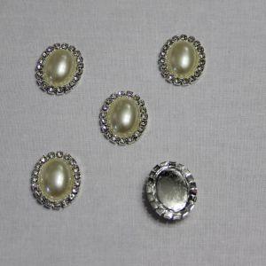Кабошон со стразами, овал, цвет основы - серебро, стразы - белый, 23*18 мм (1уп = 10шт)