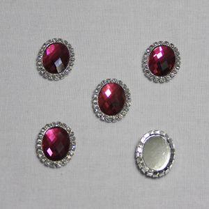 Кабошон со стразами, овал, цвет основы - серебро, стразы - малиновый, 23*18 мм (1уп = 10шт)