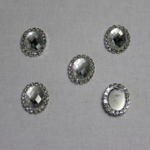 `Кабошон со стразами, овал, цвет основы - серебро, стразы - прозрачный, 23*18 мм