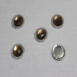`Кабошон со стразами, овал, цвет основы - серебро, стразы - коричневый, 23*18 мм