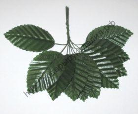 лист розы на проволоке