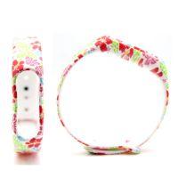 Сменный ремешок для фитнес-браслета  Xiaomi Mi Band 2 (Белый/Цветы)