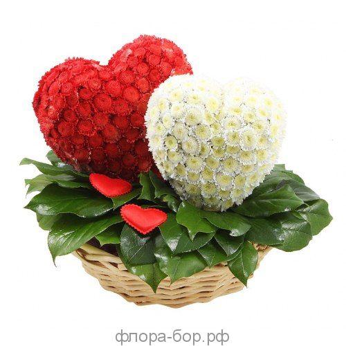 """Композиция из цветов """"Сердце"""""""