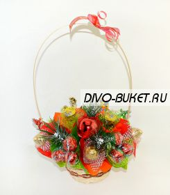 """Букет из конфет в корзине №658 """"Зимний подарок"""""""