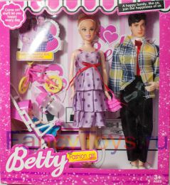 Игровой набор кукла Betty «Счастливая семья»