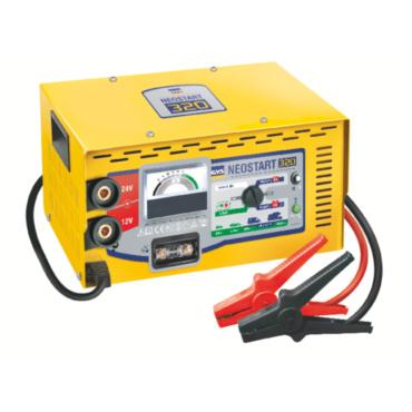 NEOSTART 320 12/24 В. Профессиональное пуско-зарядное устройство, запуск мотора даже при очень сильно разряженном аккумуляторе, пусковой ток 270 А. Эффективный ток зарядки 40 А. Защита от перегрузок и перемены полярности. Питание 230В, габариты 330х250х64