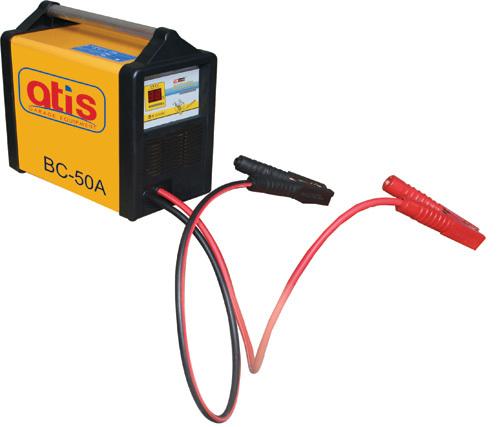 Автоматическое зарядное устройство. Эффективный  ток зарядки: 50 А. Зарядка аккумуляторов емкостью: до 700 а/ч. Напряжение зарядки: 12/24 V/220V. Потребляемая мощность: 1100 W. Силовые  кабели к аккумулятору: 2х1000 мм.  LСD дисплей. Автоматическое опреде
