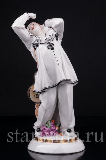 Антикварная старинная фарфоровая статуэтка Пьеро производства Hertwig & Co, Katzhutte, Германия