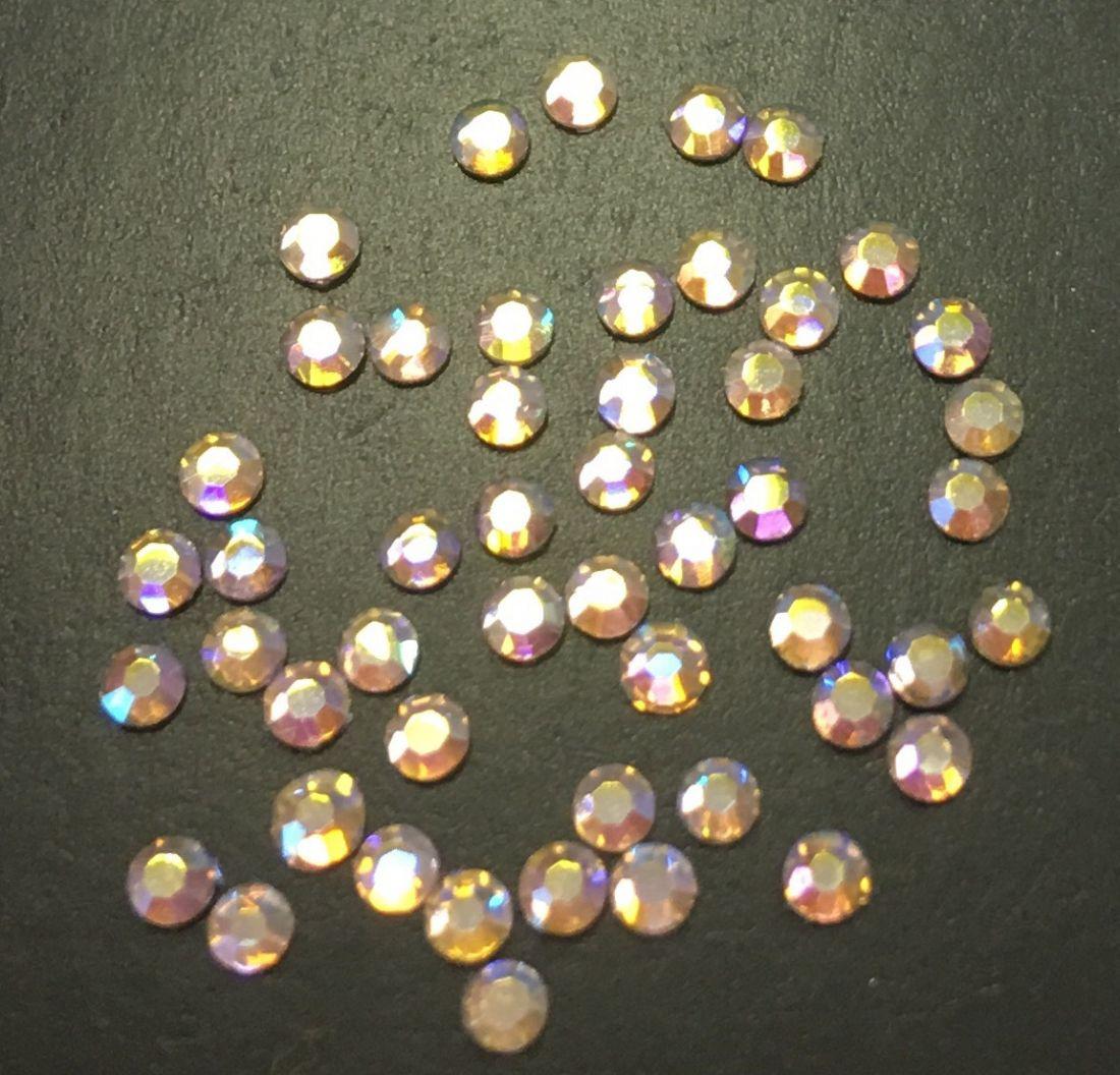 Стразы SS5 стекло плоские (Light Peach AB) уп/50шт