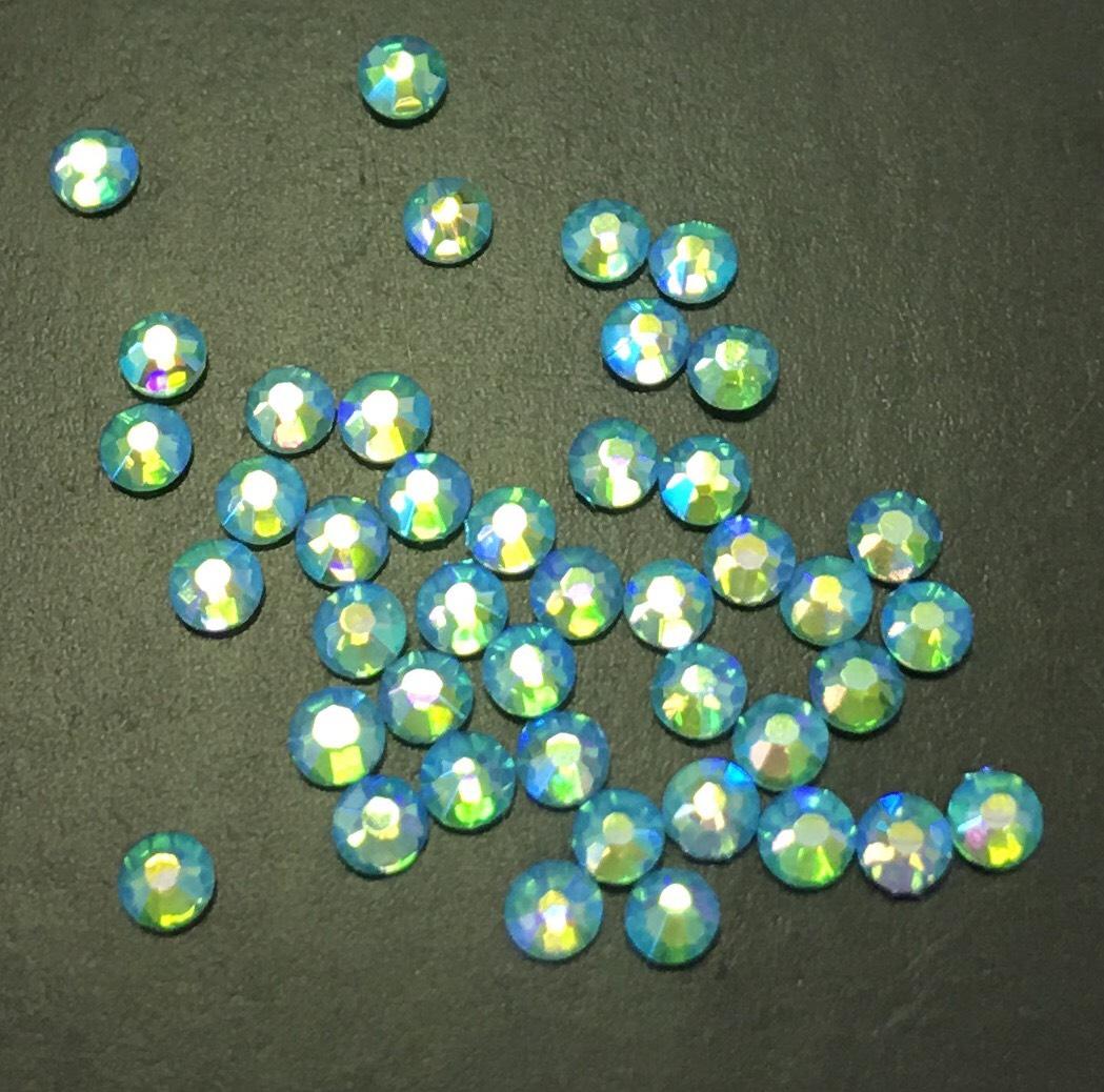 Стразы SS6 стекло плоские (бирюзовые голография) уп/50шт