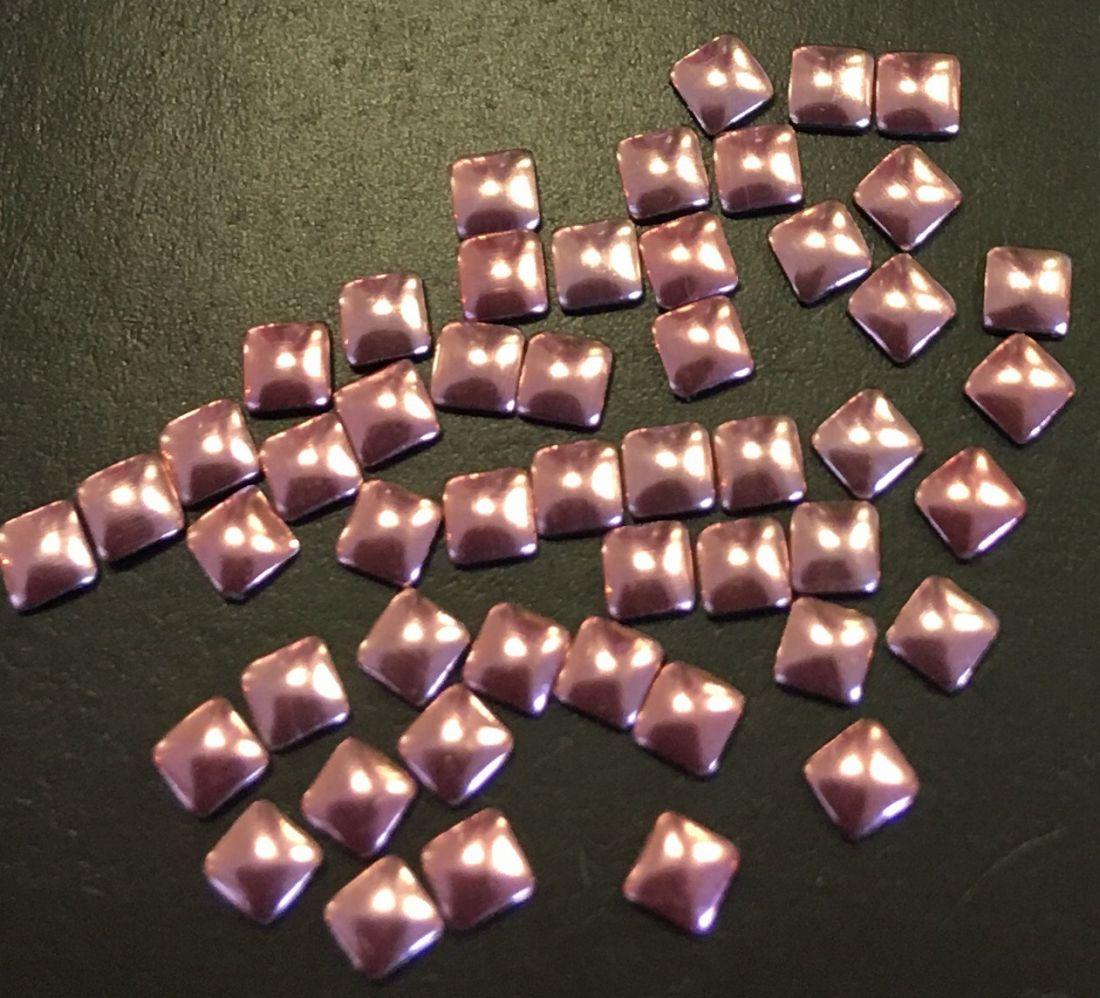 Квадрат пластиковый для дизайна 2мм*2мм (нежно-розовый) 50шт