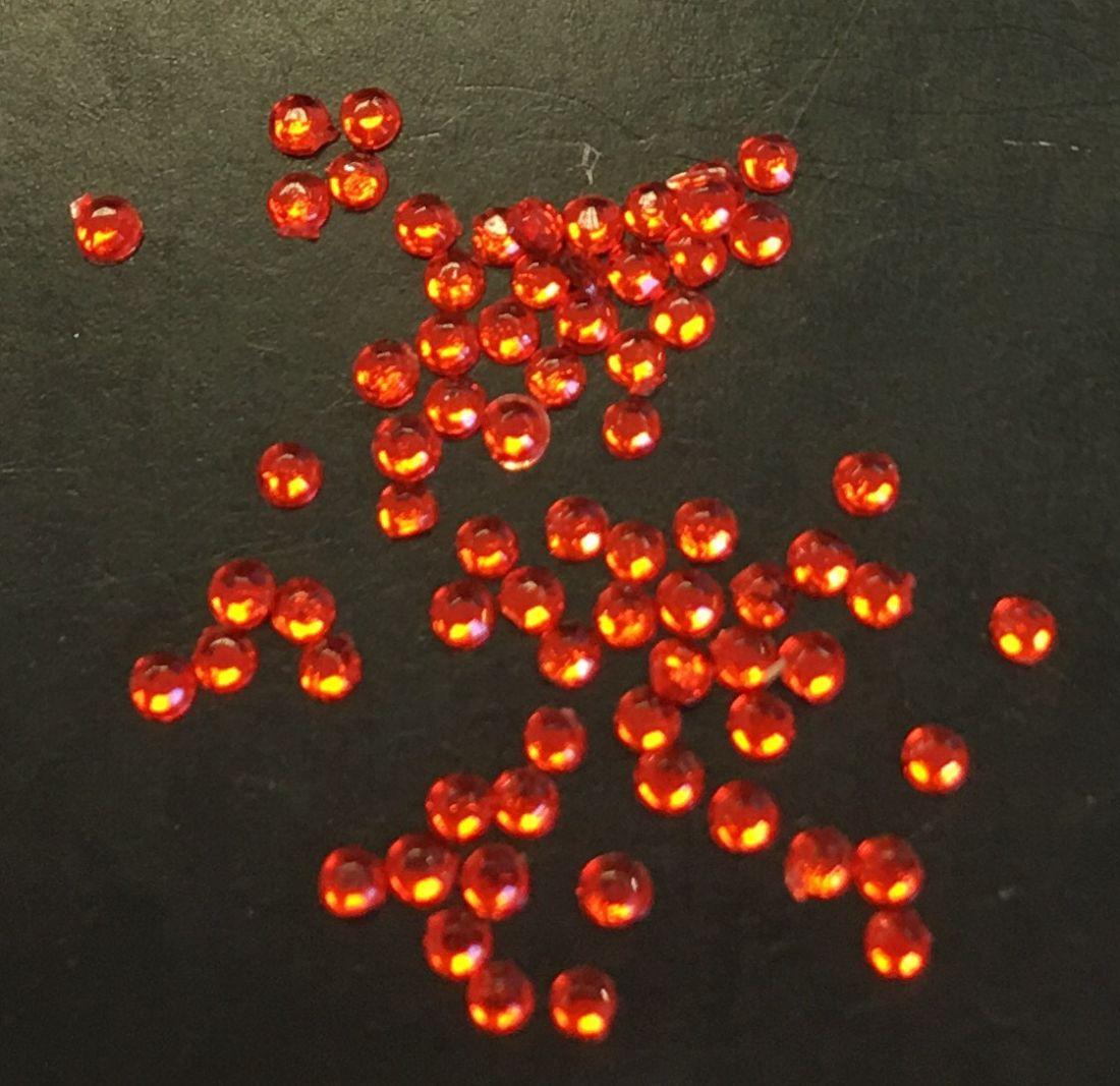 Стразы пластиковые круглые 1,5мм уп/70шт (ярко-красные)