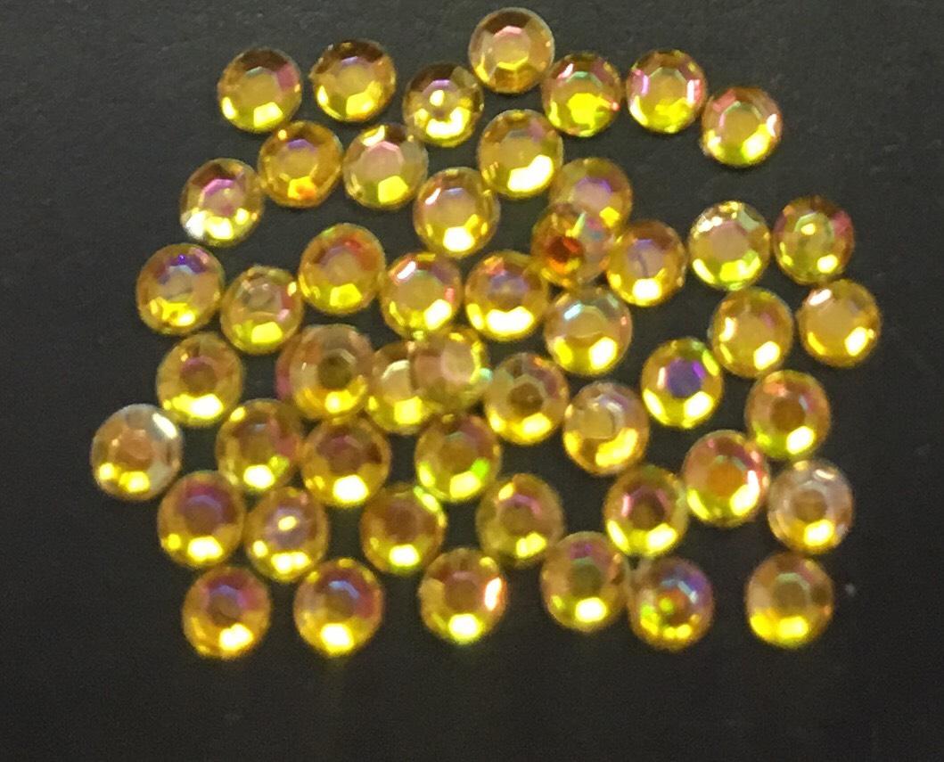 Стразы пластиковые круглые 2,41мм уп/50 шт (желтые АВ)