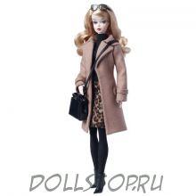 Коллекционная кукла Барби Классическое верблюжье пальто - Classic Camel Coat Barbie Doll 2016