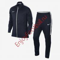 Тренировочные костюмы Nike