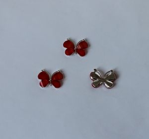 "`Кабошон ""Бабочка"", металл цвет - серебро , размер 22*28 мм, цвет красный"