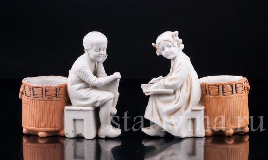 """Изображение """"На уроке"""", парные вазочки с детьми, Unger, Schneider & Cie, Германия, нач.20 в"""