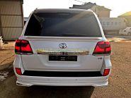 Задняя  альтернативная оптика диодная (Тип 2016 Темные) для Toyota Land Cruiser 200
