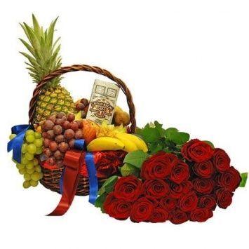 Подарочная корзина с розами ТВОЯ УЛЫБКА