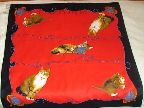 """Платок """"Кошки и котята на красном"""""""
