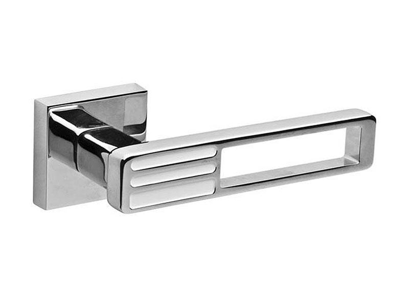 Дверная ручка модель QUATTRO DM CP-WH-19, цвет хром белая