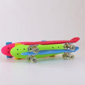 H.0.78.58 Скейтборд пластиковый. Колеса: гелевые,подшипник.
