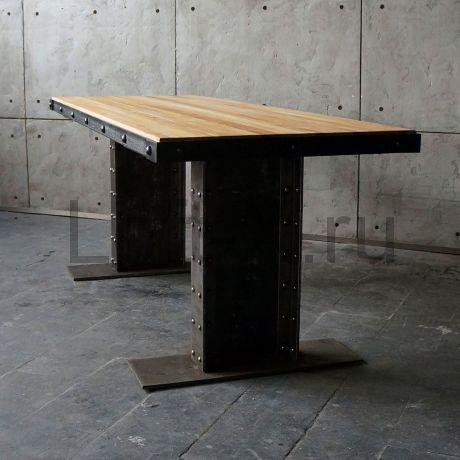 """Обеденный стол  - """"Steampunk"""" с дубовой столешницей."""