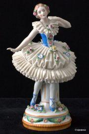 Балерина-кружевница в синем, Sitzendorf, Германия.