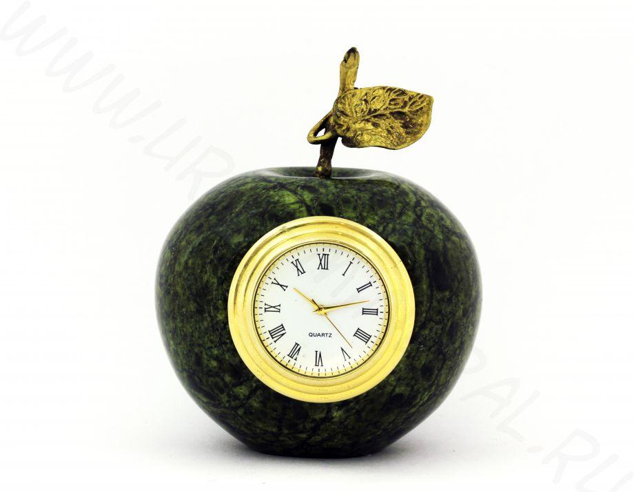 Яблоко с часами