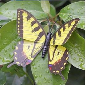 бабочка пластиковая 4см №6