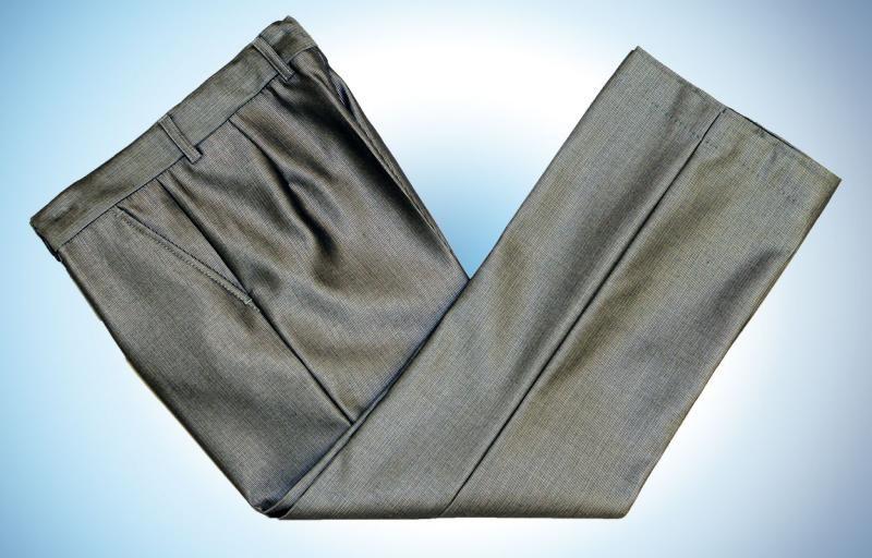 Светло-серые брюки для мальчика 10 лет