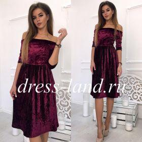 Бархатное платье длины миди цвета марсала