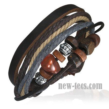 Кожаный браслет с элементами декора