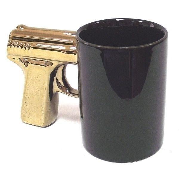 Кружка Пистолет чёрная с позолоченной ручкой
