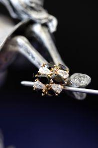 Позолоченные серьги-кольца с искусственными ониксами и бриллиантами (арт. 305112)