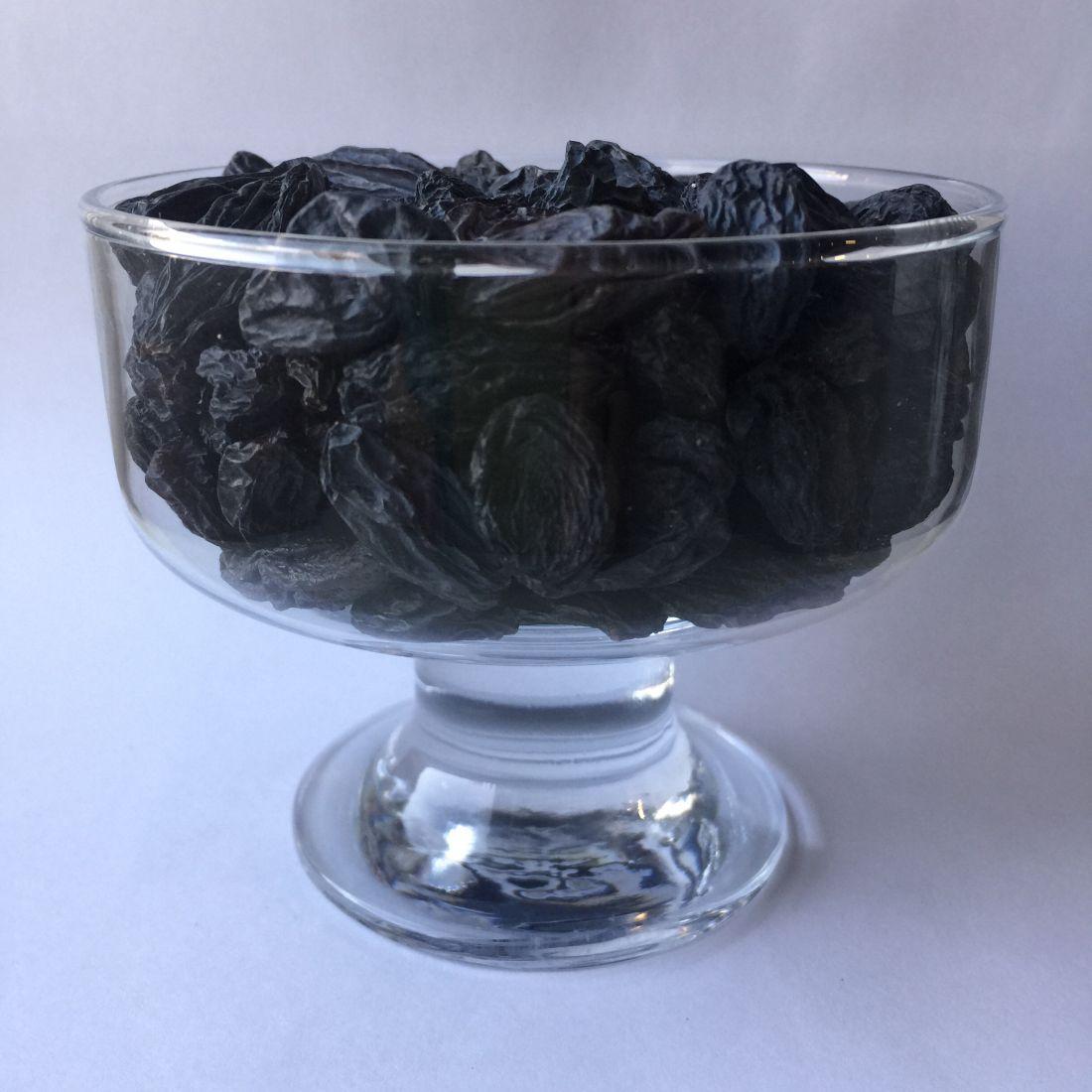 Изюм черный крупного размера - 500 гр