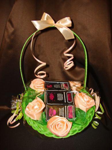 Цветы  корзина с кофе - подарочный набор с кофе