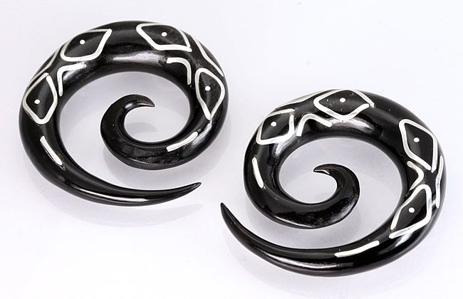 Спирали. Рог и серебро