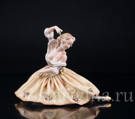 Изображение Балерина в желтом, Volkstedt, Германия, вт. пол. 20 в