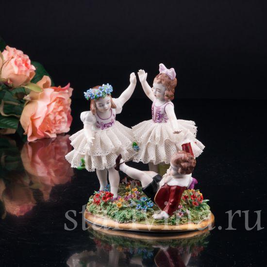 Фарфоровая статуэтка Играющие дети, кружевная производства Sitzendorf, Германия