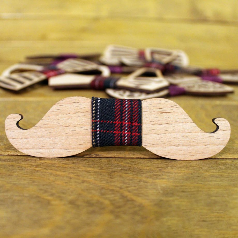 Деревянный галстук бабочка на заказ