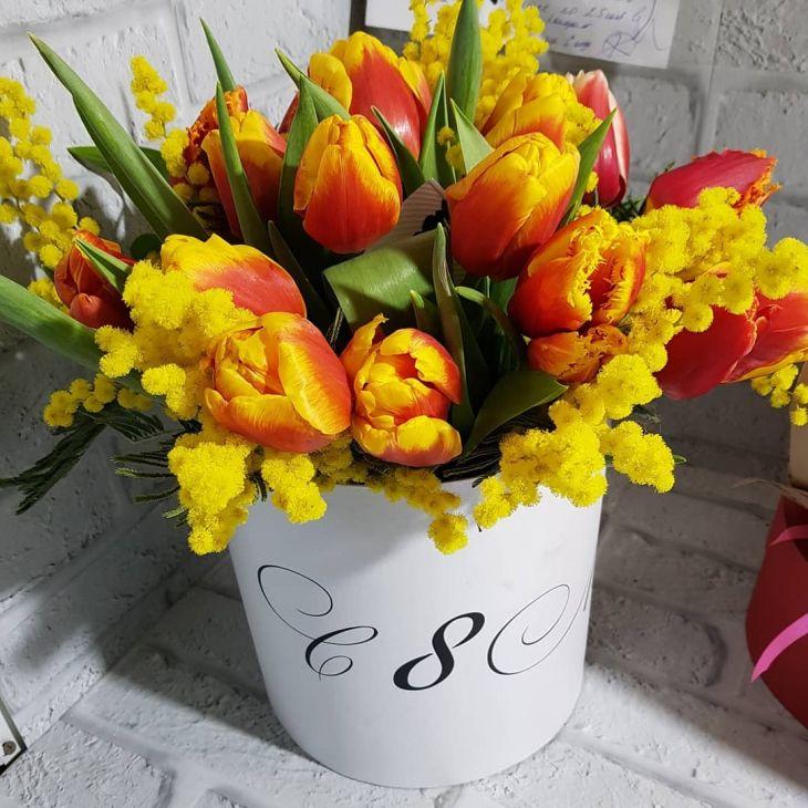 коробочка из тюльпан и мимозы