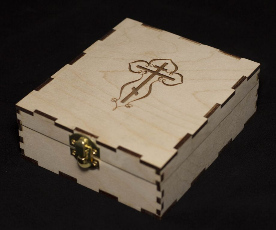 Коробка из дерева с замком на заказ