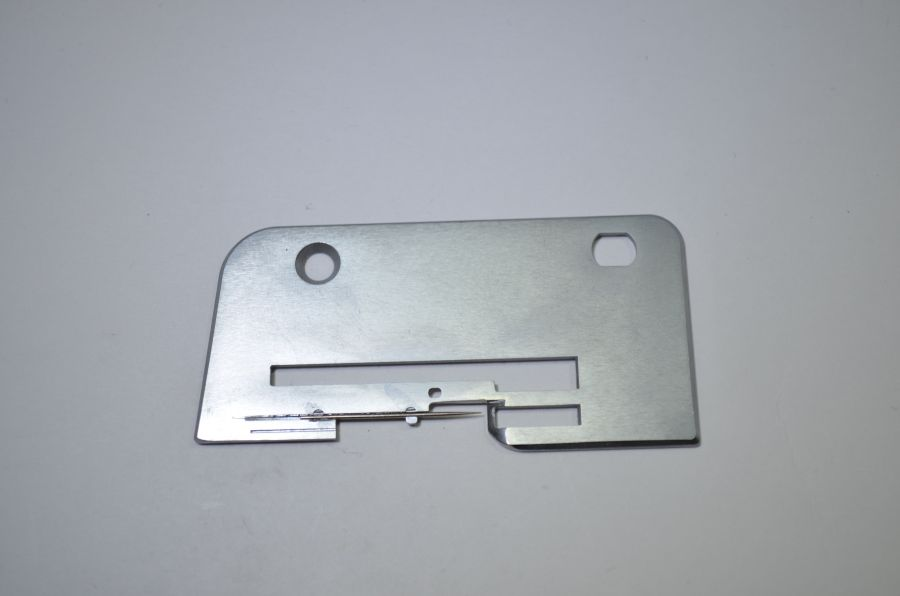 Игольная пластина JANOME 134D роликовый шов 784626009